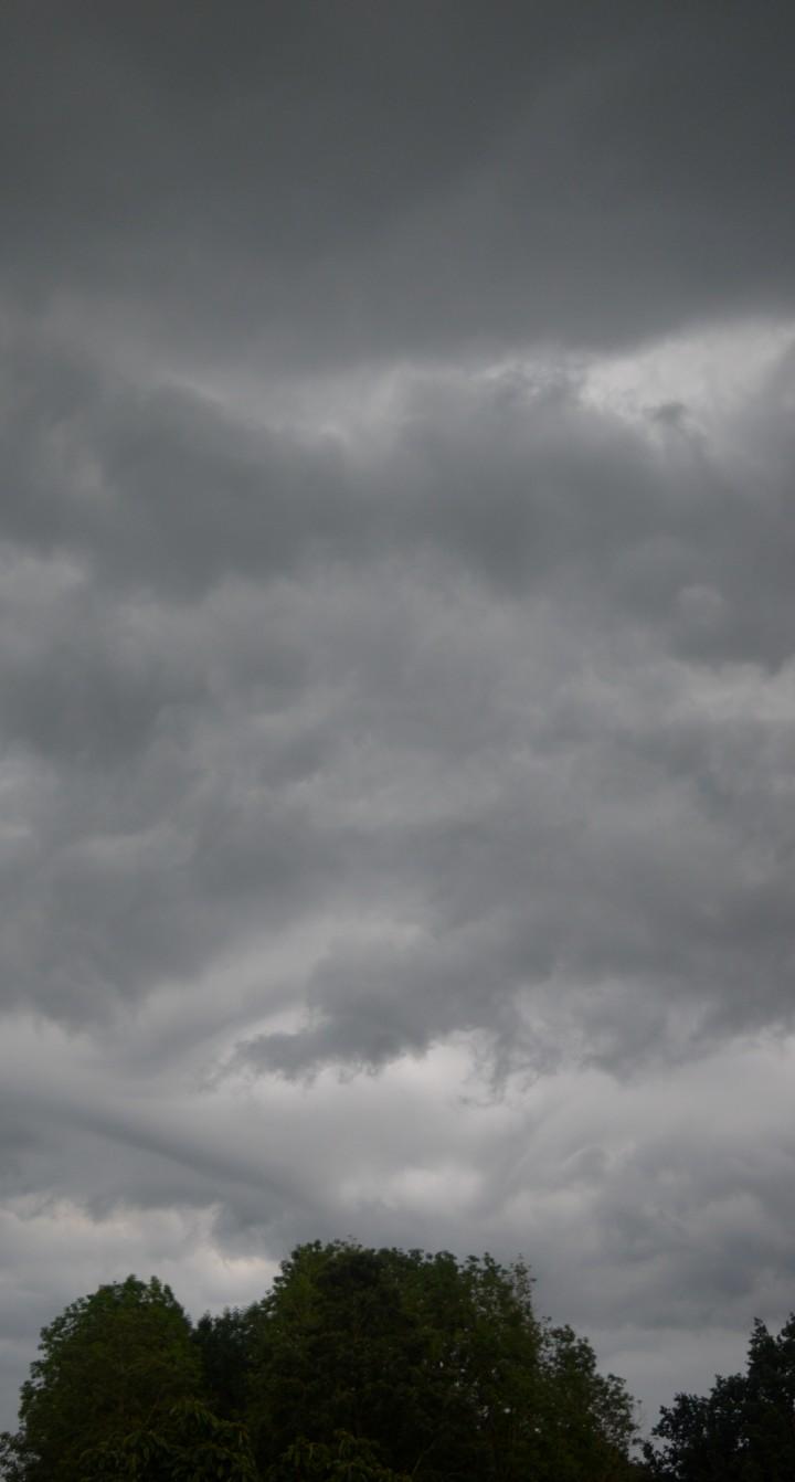 Het donkere wolkendek